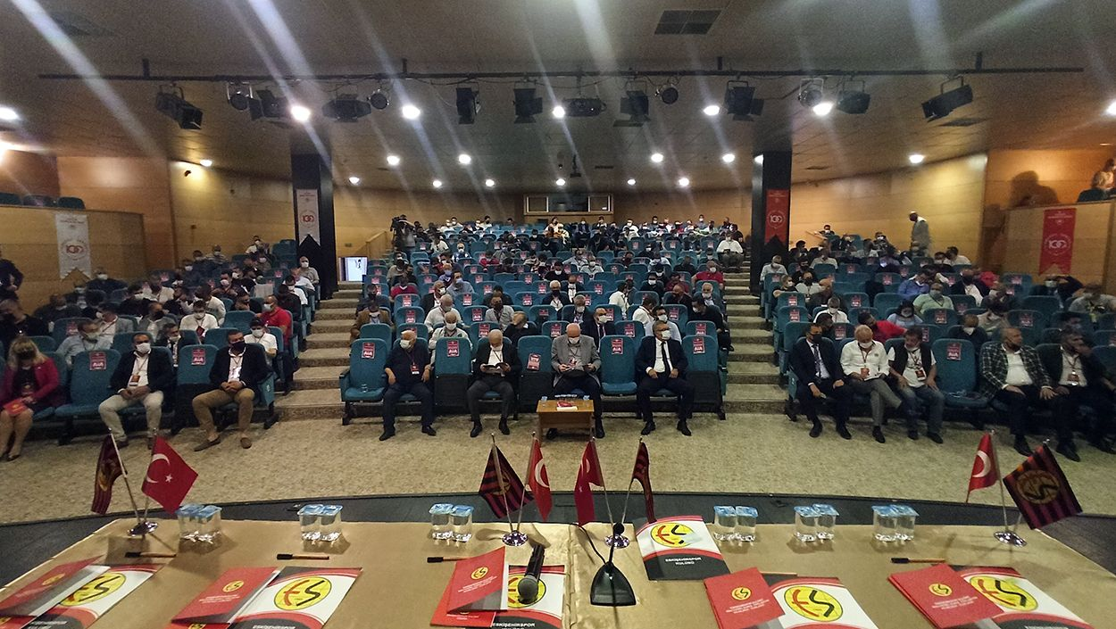Eskişehirspor kongresi erteledi