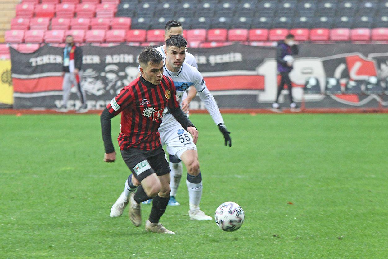 Adana Demirspor maçında kareler