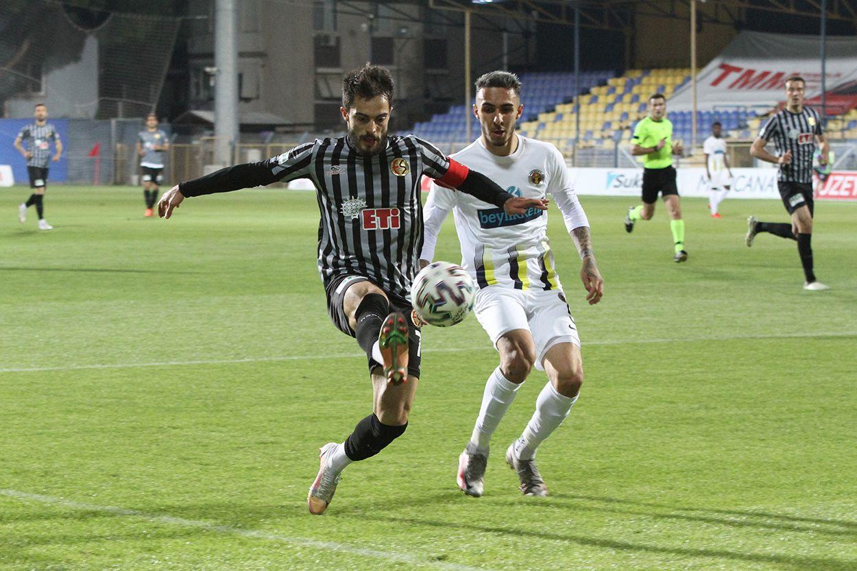 Menemenspor 2 - 1 Eskişehirspor